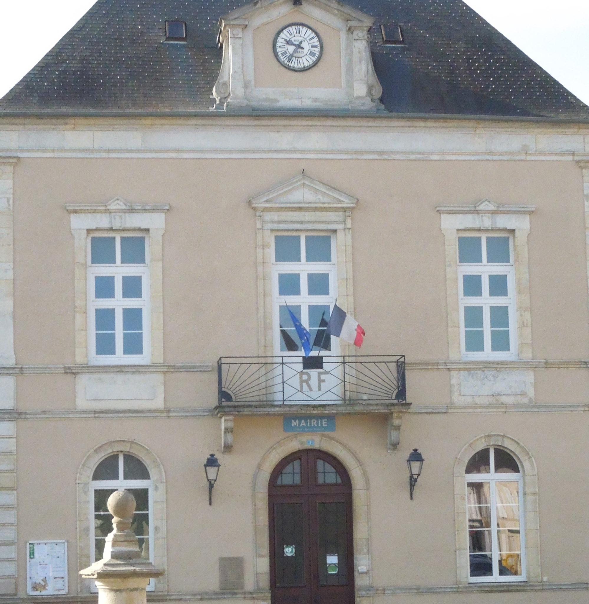 Mairie de Dornes 58390